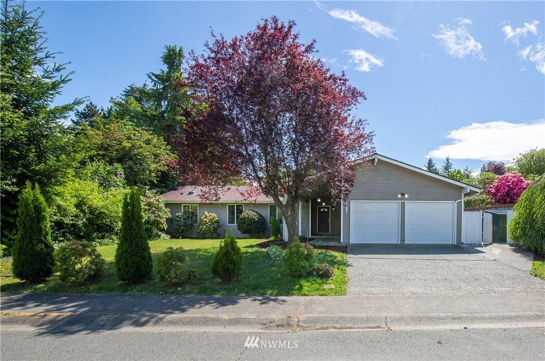 Photo of 12601 SE 64th Pl, Bellevue, WA 98006 (MLS # 1773921)