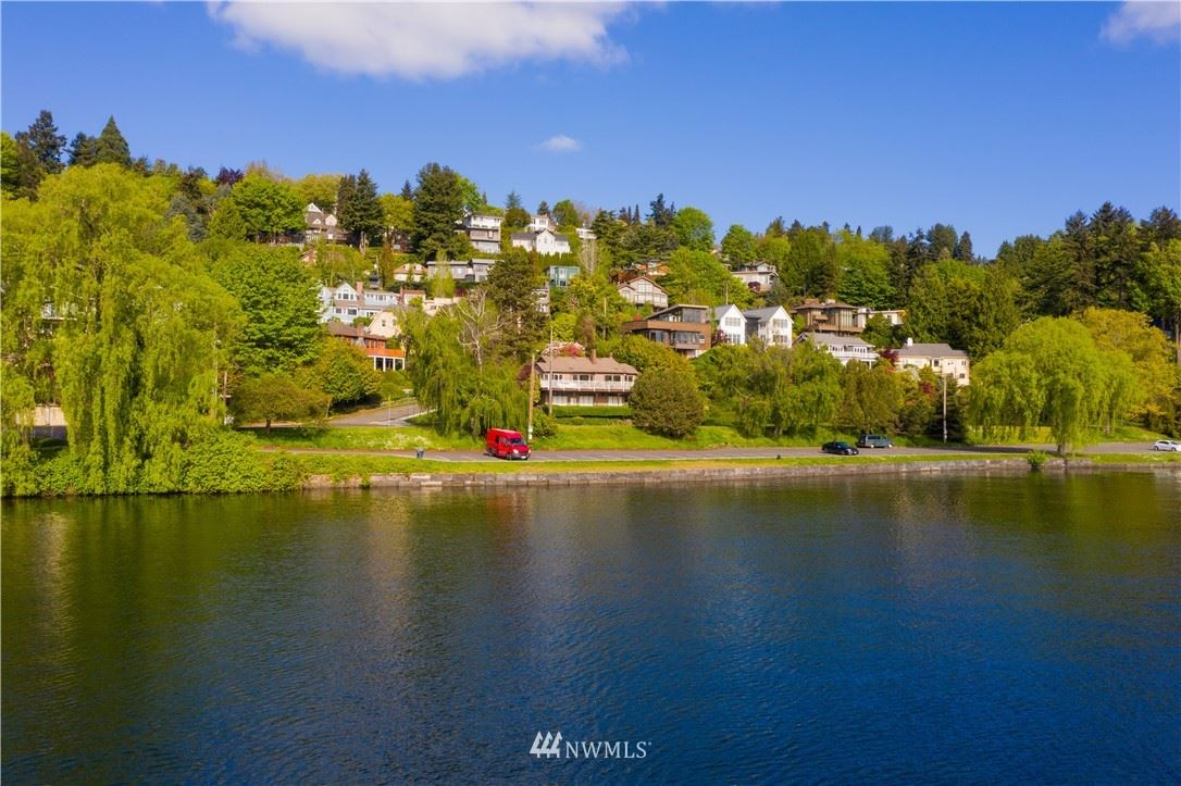 Photo of 608 Fullerton Avenue, Seattle, WA 98122 (MLS # 1767924)