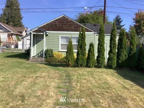 Photo of 2421 Rainier Avenue, Everett, WA 98201 (MLS # 1847927)