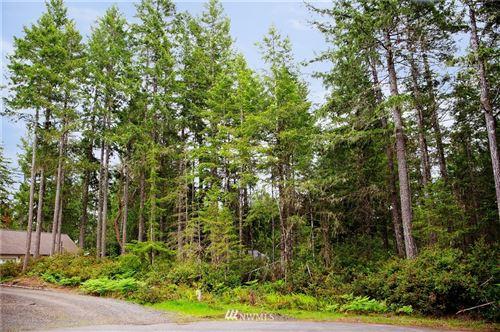 Photo of 31 E Rhododendron Ct, Union, WA 98592 (MLS # 1458928)