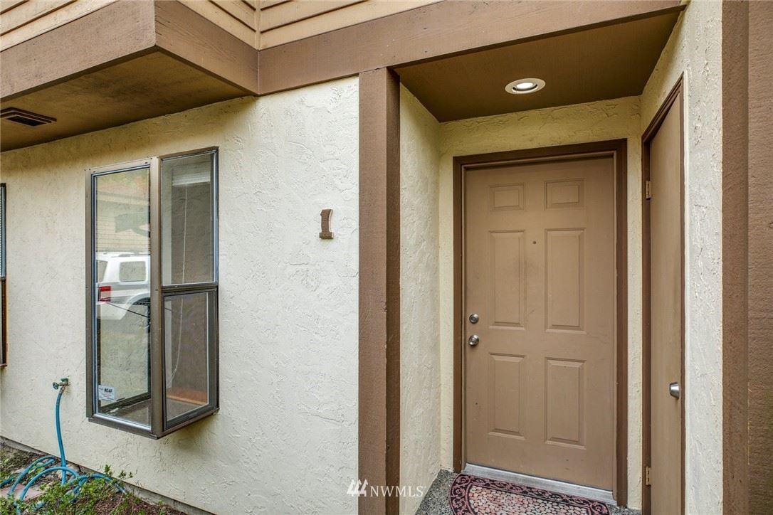 Photo of 8005 NE 177th Court #201, Kenmore, WA 98028 (MLS # 1753930)