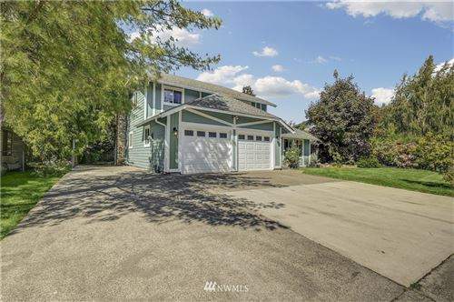 Photo of 1619 Riverview Drive NE, Auburn, WA 98002 (MLS # 1774931)