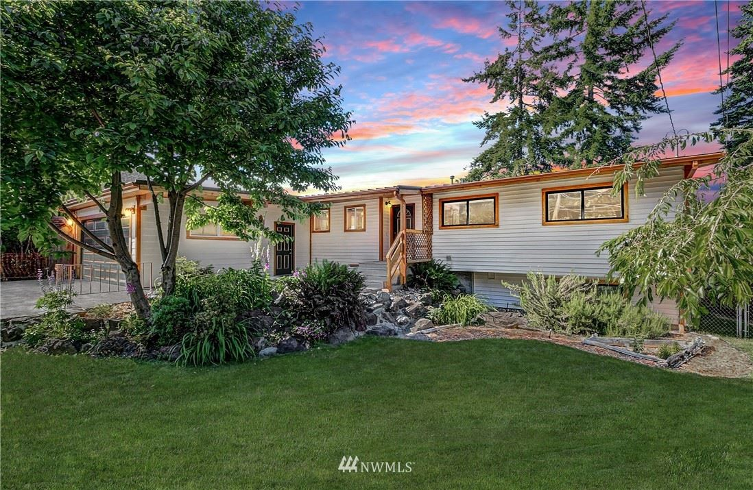 Photo of 148 S 297th Place, Federal Way, WA 98003 (MLS # 1785933)
