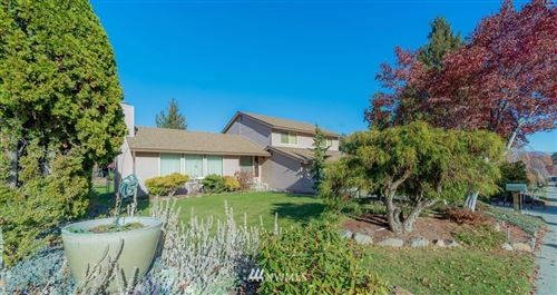 Photo of 1832 Jefferson Street, Wenatchee, WA 98801 (MLS # 1719934)