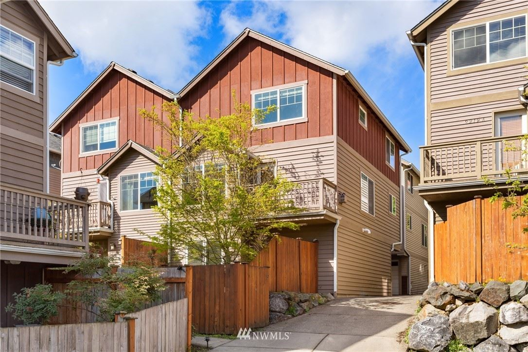 Photo of 9209 Interlake Avenue N #B, Seattle, WA 98103 (MLS # 1777934)