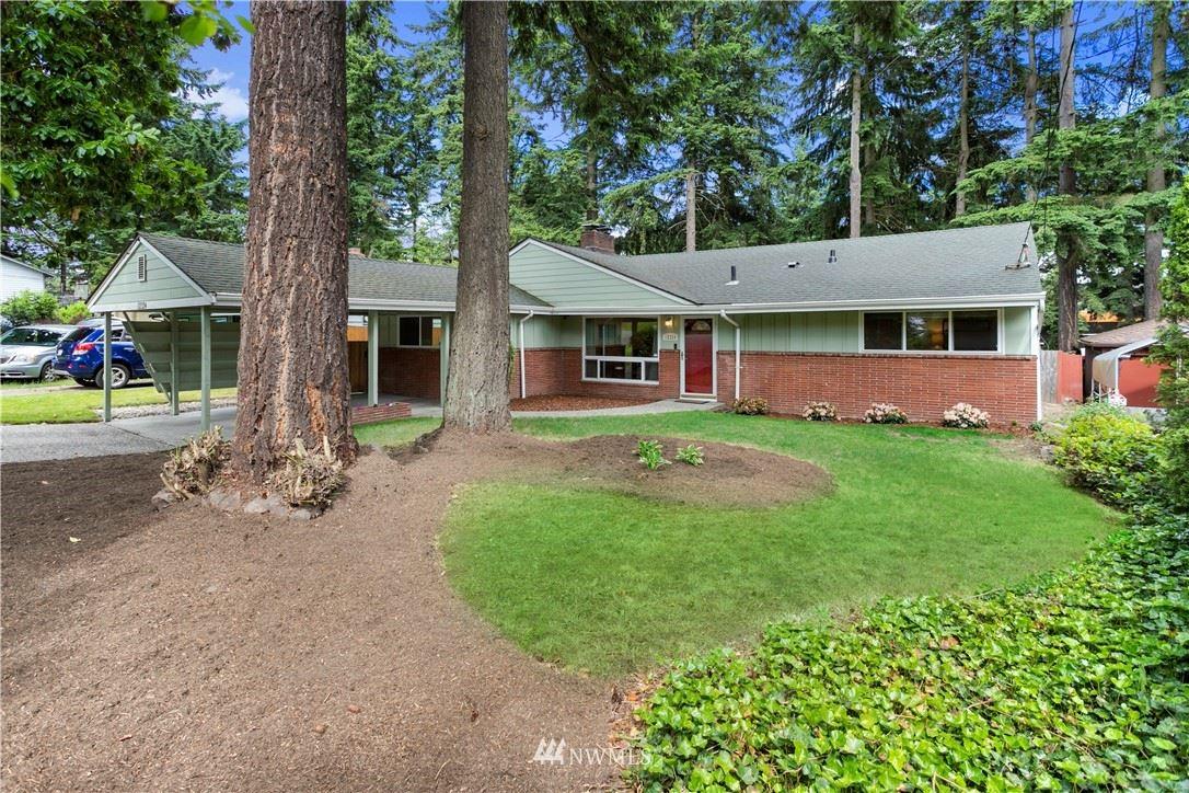Photo of 12324 3rd Avenue NE, Seattle, WA 98125 (MLS # 1791934)