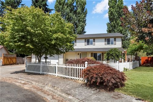 Photo of 190 Decatur Drive, Kelso, WA 98626 (MLS # 1817937)