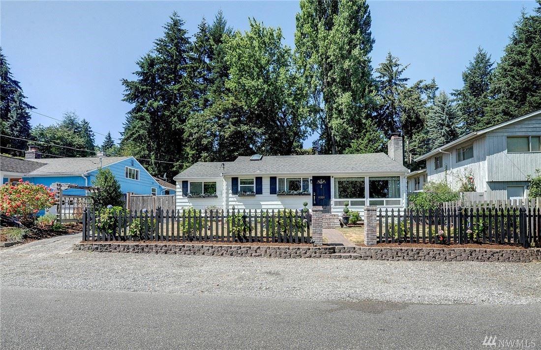 Photo of 11551 25th Ave NE, Seattle, WA 98125 (MLS # 1639937)