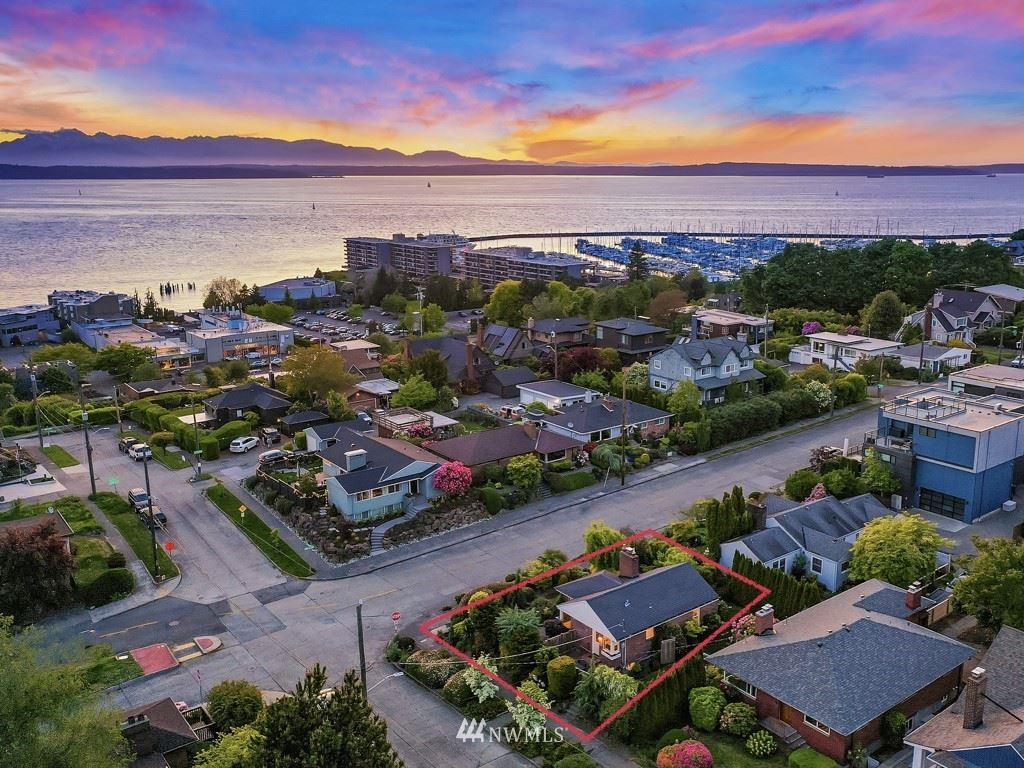 Photo of 6202 36th Avenue NW, Seattle, WA 98107 (MLS # 1776937)