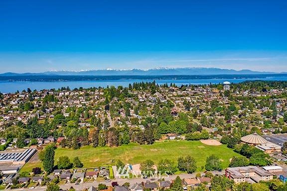Photo of 2806 30th Avenue W, Seattle, WA 98199 (MLS # 1786938)