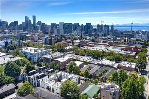 Photo of 422 10th Avenue E, Seattle, WA 98102 (MLS # 1638941)