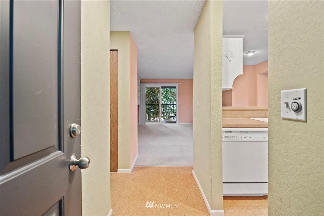 Photo of 14525 NE 30th Place #14-B, Bellevue, WA 98007 (MLS # 1788941)