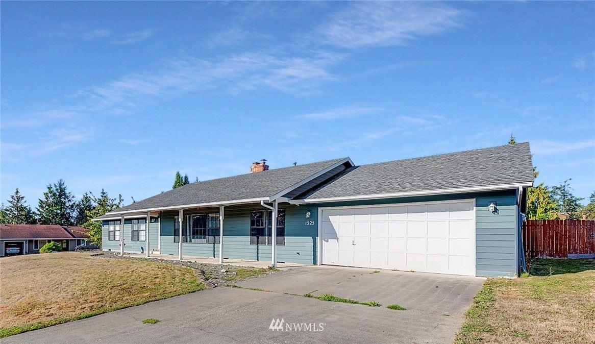 Photo of 1225 SW Barrington Drive, Oak Harbor, WA 98277 (MLS # 1837946)