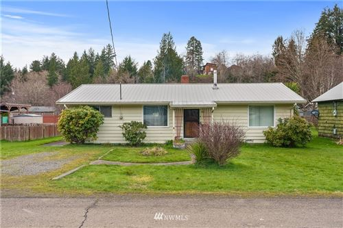 Photo of 311 Central Avenue, South Bend, WA 98586 (MLS # 1738947)