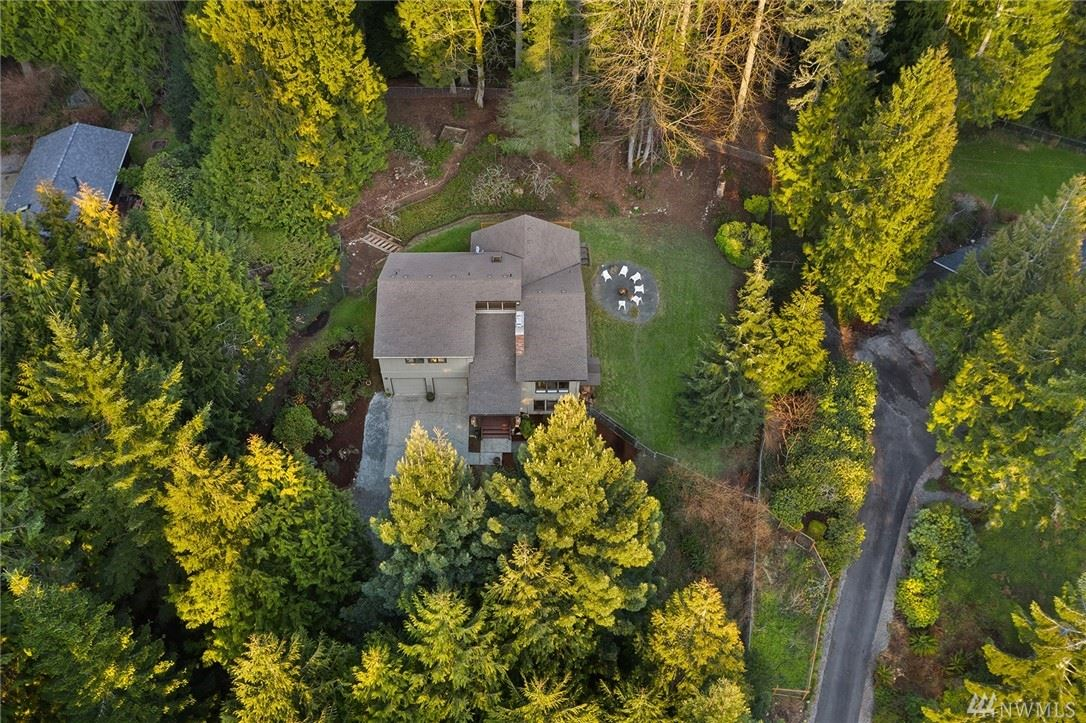 Photo of 12332 210th Place SE, Issaquah, WA 98027 (MLS # 1563949)