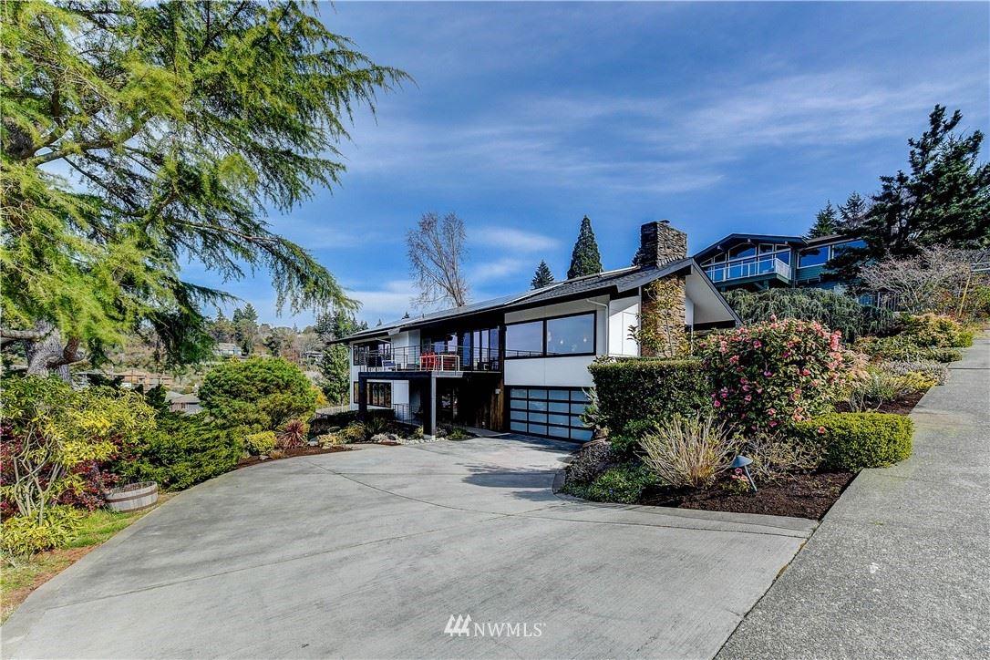 Photo of 3912 SW Henderson Street, Seattle, WA 98136 (MLS # 1744955)