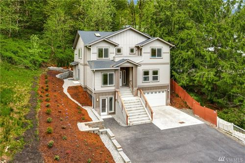 Photo of 445 SW Mount Baker Dr, Issaquah, WA 98027 (MLS # 1594956)
