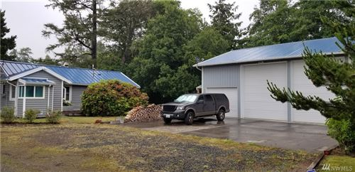 Photo of 109 26th Street NE, Long Beach, WA 98631 (MLS # 1619957)