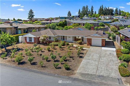 Photo of 9810 Vineyard Crest, Bellevue, WA 98004 (MLS # 1772959)