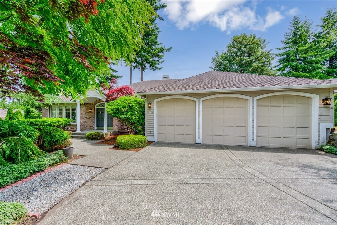 Photo of 5370 Eiger Place NW, Issaquah, WA 98027 (MLS # 1786959)