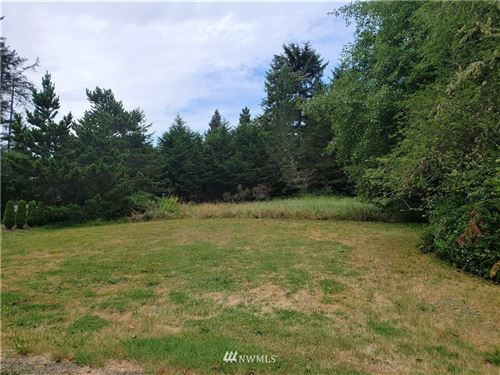 Photo of 1506 305th Place, Ocean Park, WA 98640 (MLS # 1497960)