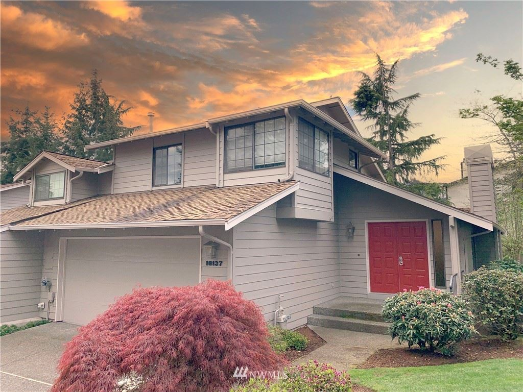 Photo of 16137 SE 33rd Circle, Bellevue, WA 98008 (MLS # 1766960)