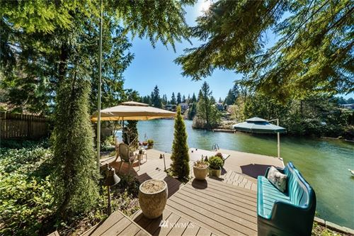 Photo of 3402 Deer Island Drive E, Lake Tapps, WA 98391 (MLS # 1756968)