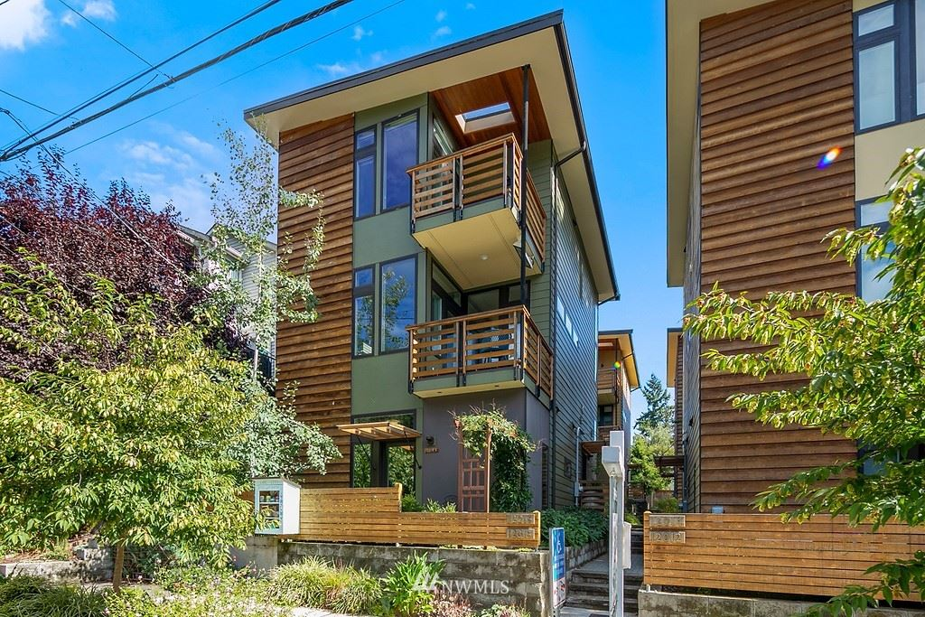 12018 33rd Avenue NE, Seattle, WA 98125 - #: 1837968