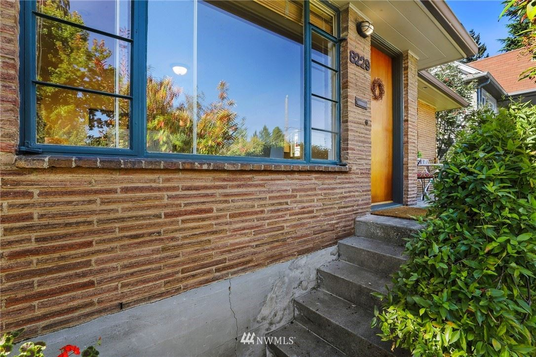 8229 16th Avenue NE, Seattle, WA 98115 - #: 1840968