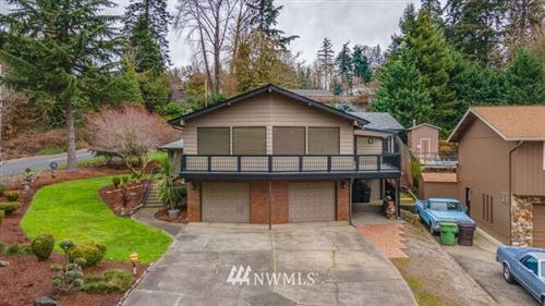 Photo of 2311 W Hills Drive, Longview, WA 98632 (MLS # 1721969)