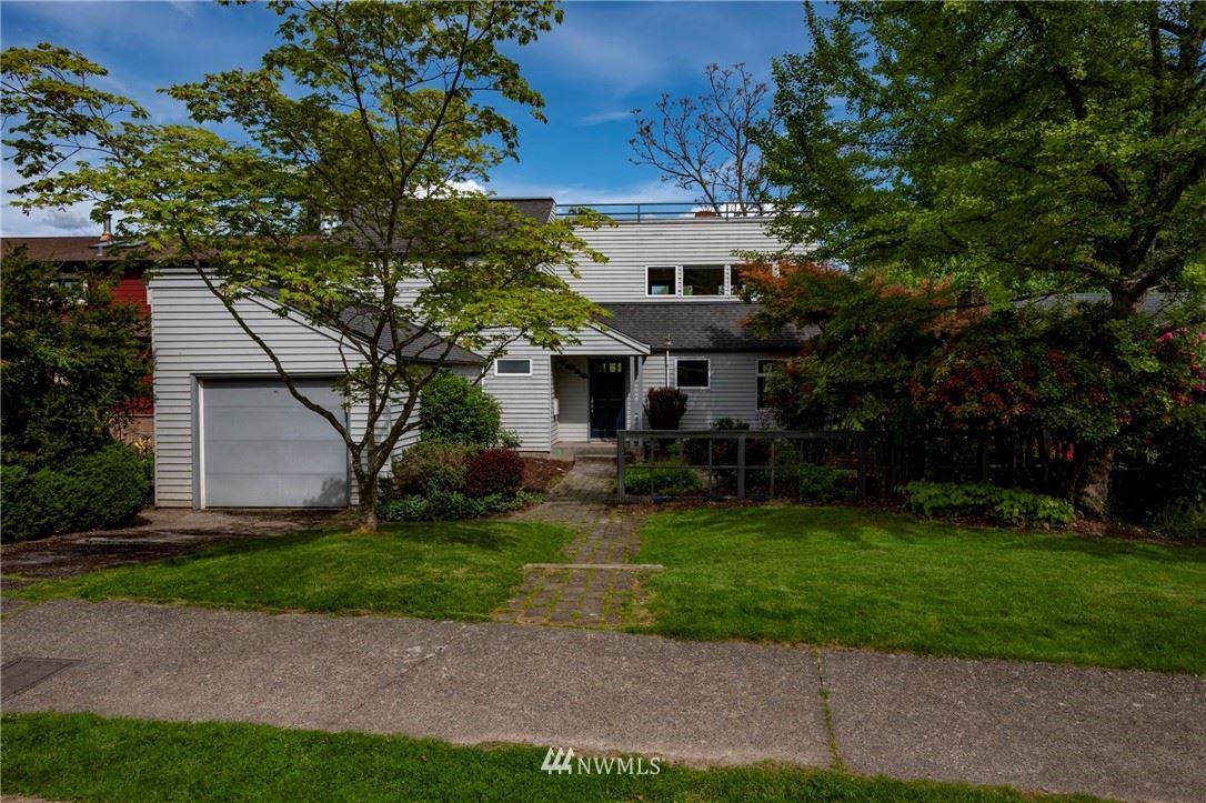 Photo of 7014 58th Avenue NE, Seattle, WA 98115 (MLS # 1772970)