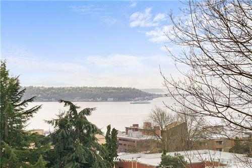 Photo of 1001 Queen Anne Avenue N #405, Seattle, WA 98109 (MLS # 1729972)