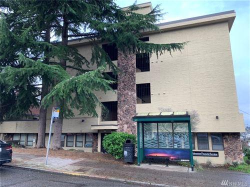 Photo of 1001 W Howe St #M2, Seattle, WA 98119 (MLS # 1556975)