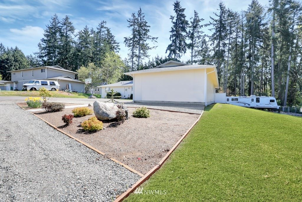 Photo of 2212 26th Avenue SE, Puyallup, WA 98374 (MLS # 1759975)