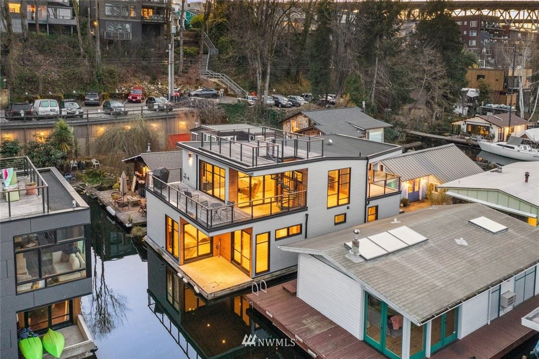 Photo of 3146 Portage Bay E #G, Seattle, WA 98102 (MLS # 1748978)