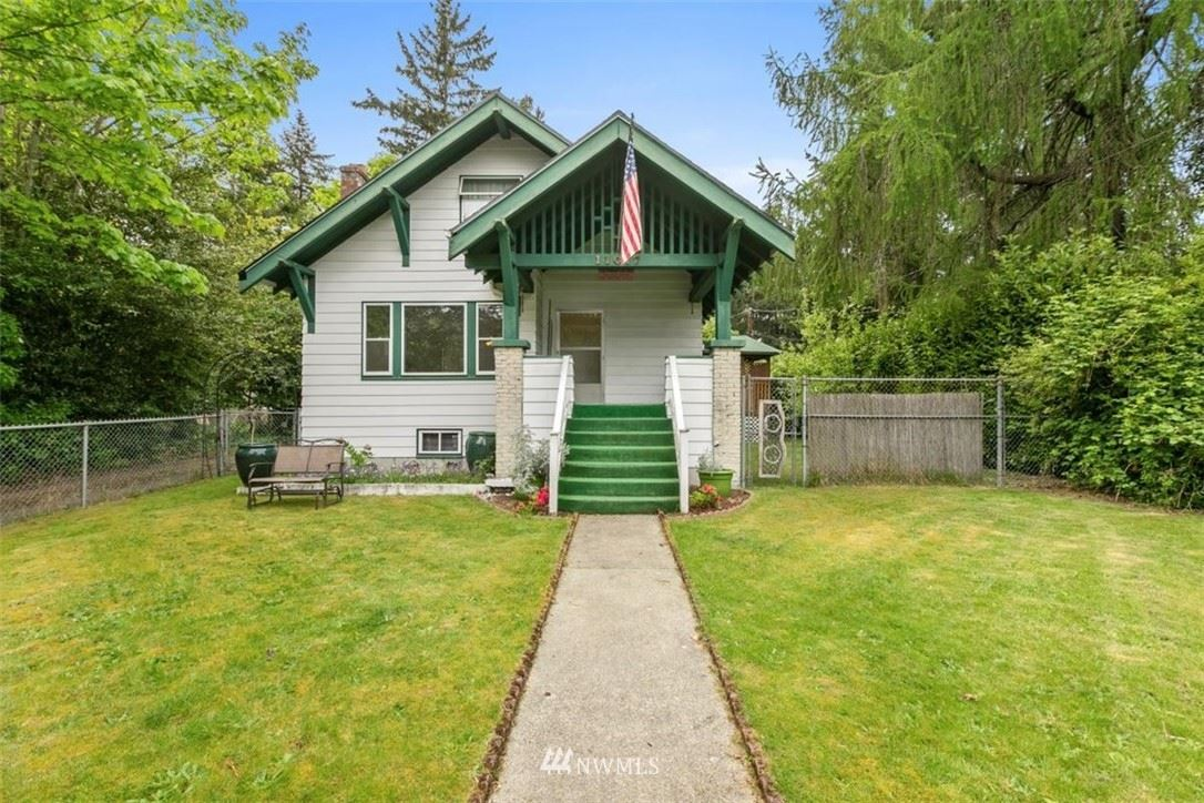 Photo of 11017 17th Avenue NE, Seattle, WA 98125 (MLS # 1769981)