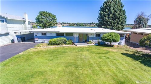 Photo of 1717 W Lakeside Dr, Moses Lake, WA 98837 (MLS # 1628982)