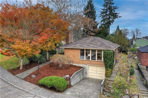 Photo of 814 W Cremona Street, Seattle, WA 98119 (MLS # 1686983)