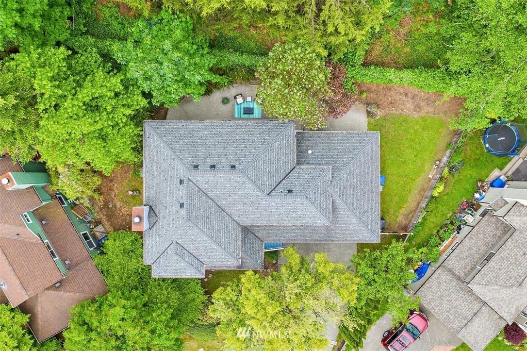 Photo of 2739 NE 184th Place, Lake Forest Park, WA 98155 (MLS # 1781983)