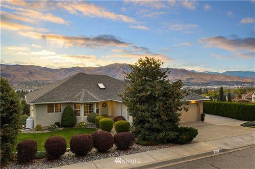 Photo of 800 Briarwood Drive, East Wenatchee, WA 98802 (MLS # 1852985)