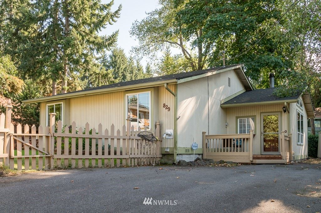 Photo of 829 S Dash Point Road, Federal Way, WA 98003 (MLS # 1841986)