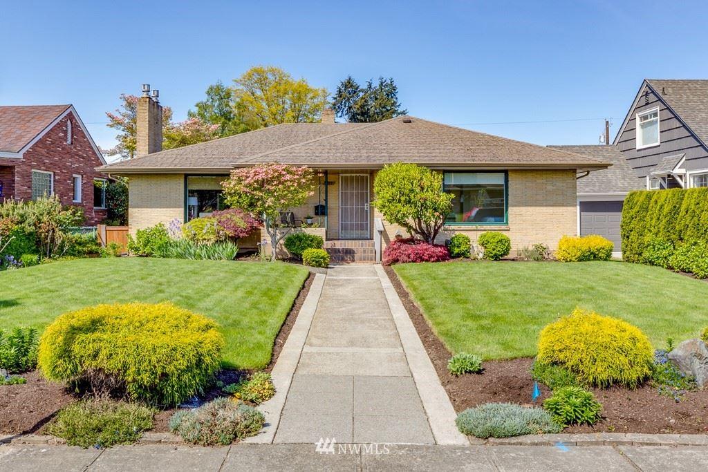 Photo of 822 Rucker Avenue, Everett, WA 98201 (MLS # 1771987)