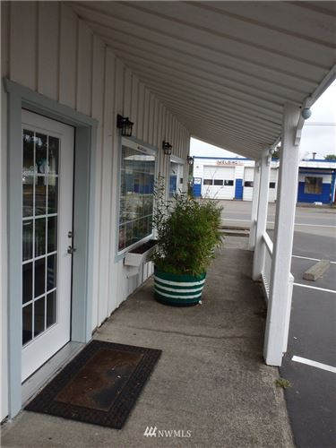 Tiny photo for 1003 Pacific Ave N, Long Beach, WA 98631 (MLS # 1151988)