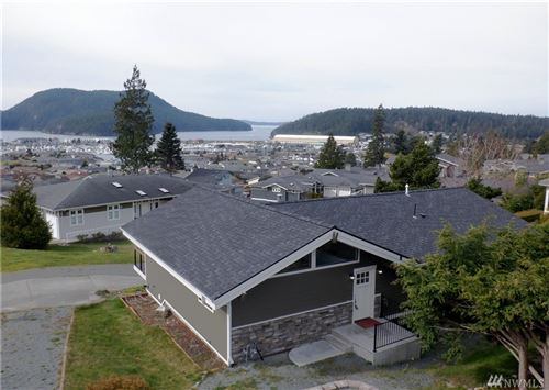 Photo of 1702 Sterling Dr, Anacortes, WA 98221 (MLS # 1566990)
