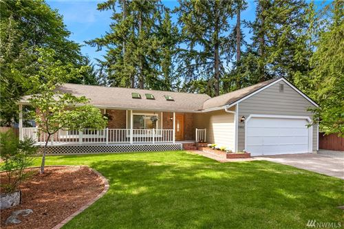 Photo of 23012 NE 28th St, Sammamish, WA 98074 (MLS # 1607991)