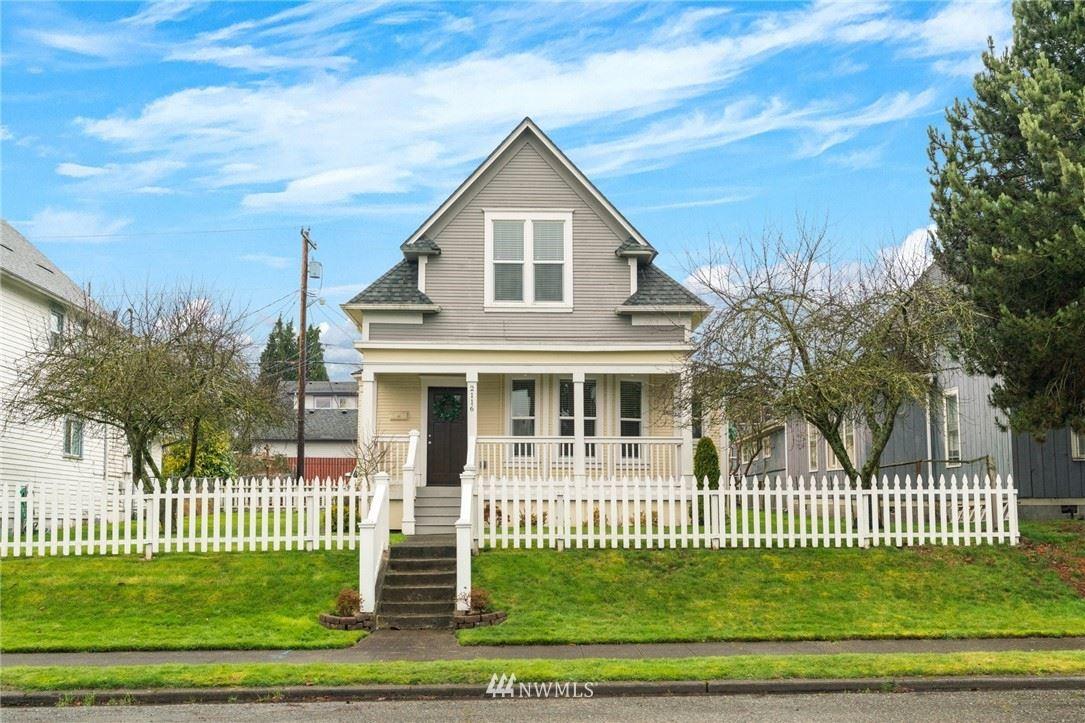 Photo of 2116 Rockefeller Avenue, Everett, WA 98201 (MLS # 1732991)