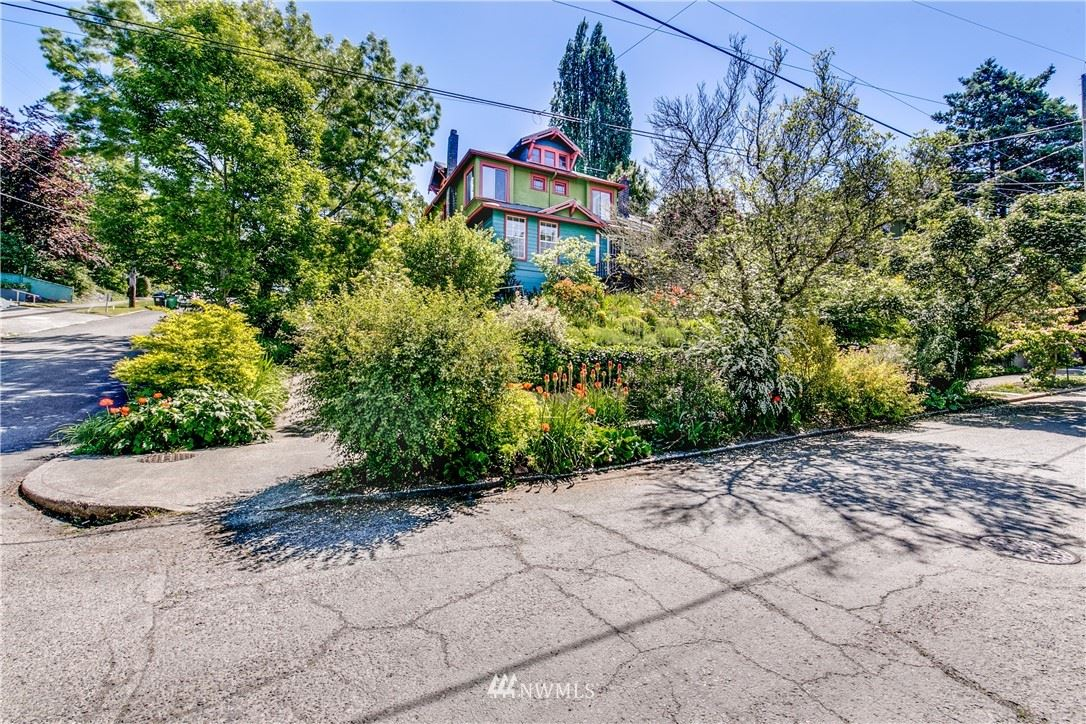Photo of 936 30th Avenue, Seattle, WA 98122 (MLS # 1789991)