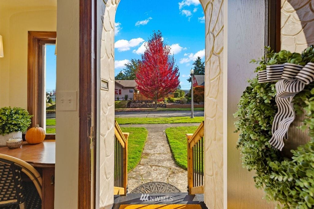 Photo of 4606 Tacoma Avenue S, Tacoma, WA 98408 (MLS # 1853991)