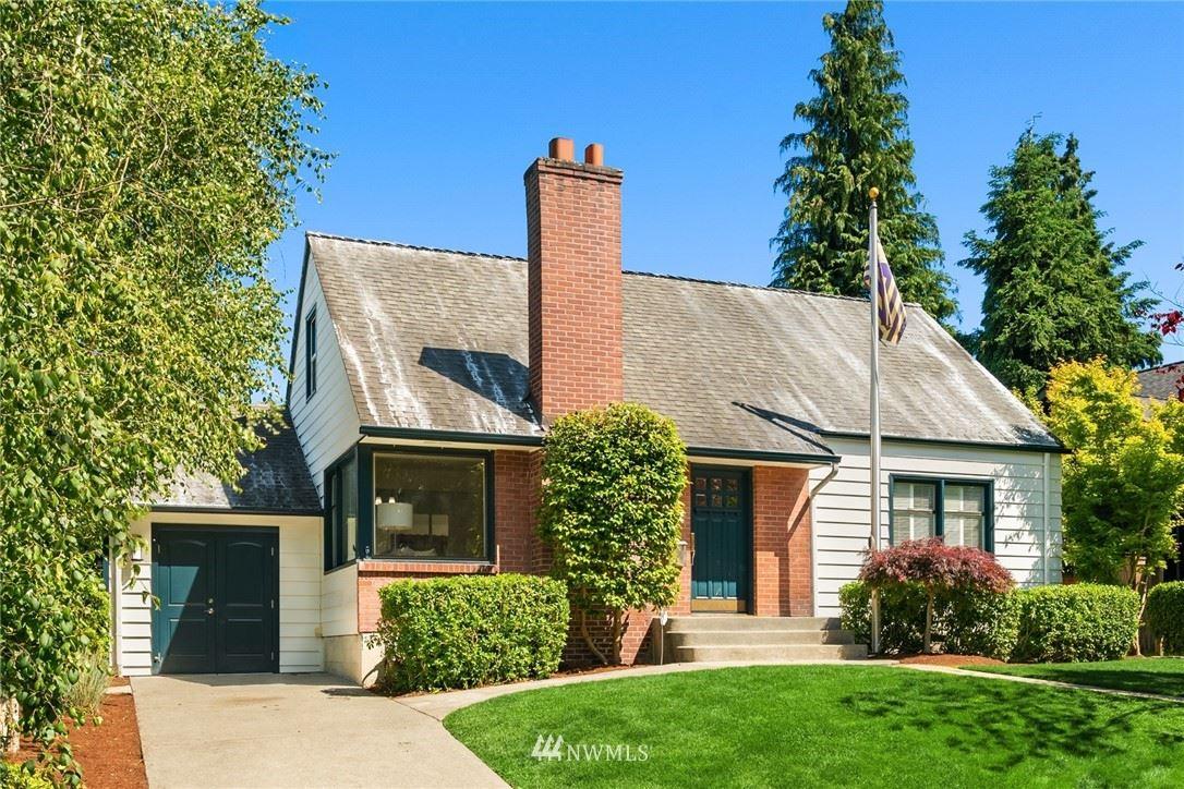 Photo of 8046 Fairway Drive NE, Seattle, WA 98115 (MLS # 1793993)
