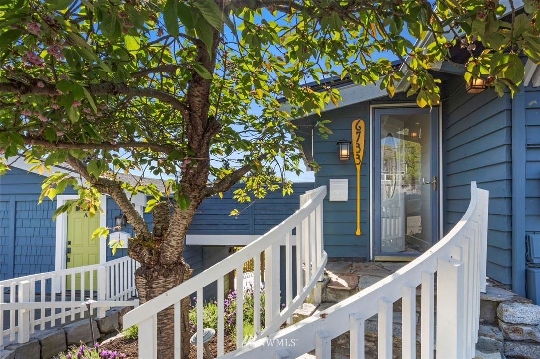 Photo of 6733 SW Holly Place, Seattle, WA 98136 (MLS # 1769996)